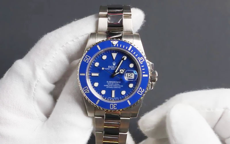 Rolex Submariner White Gold Blue Dial Replica Watch Details